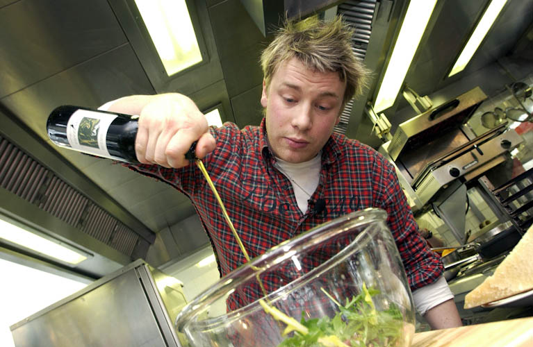 Jamie Oliver geeft demonstratie in restaurant de Kas 2006